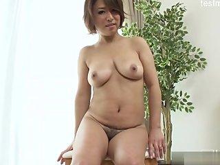 Deja embarazada a una chica Japonesa