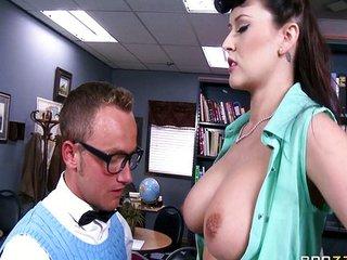 Follada en el despacho del rector