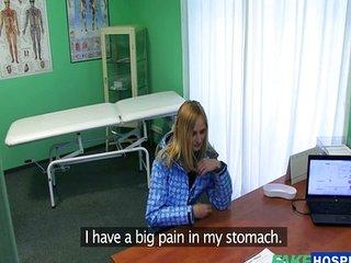 doctor utiliza la consulta como picadero