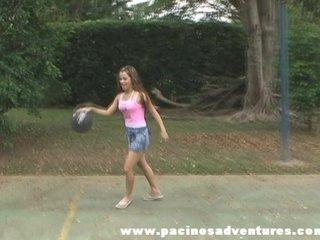 Una jovencita Colombiana en accion
