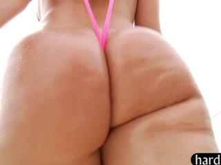 2 rubias con 2 culazos muy gordos