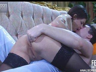 Rusa adora el hardcore anal